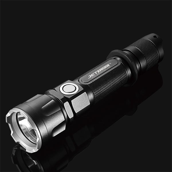 JETBeam now selling the Jet-IIIMR, a dual switch tactical 21700 light.